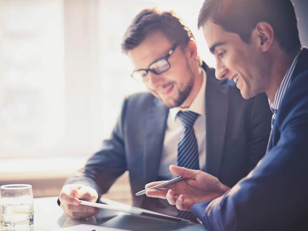 Consulente Aziendale Che Supporta Imprenditori Per Lo Sviluppo Del Business
